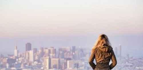 怎么学会享受孤独?_WWW.66152.COM