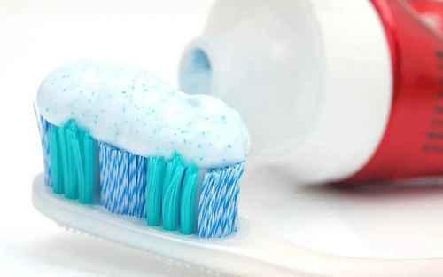 牙刷更换的频率一般为几个月?_WWW.66152.COM