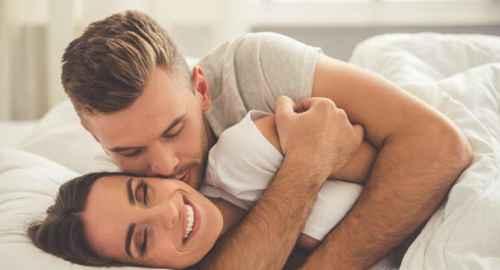 为什么男朋友睡觉时喜欢摸我的胸部再睡?_WWW.66152.COM