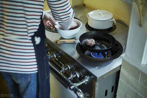 美的电磁炉煮饭的方法和秘诀有什么 ? 美的电磁炉说明书_WWW.66152.COM